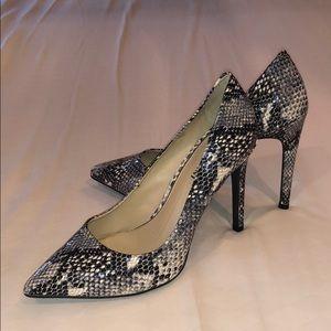 🔥 Gianni Bini Snake Print Heels 🔥